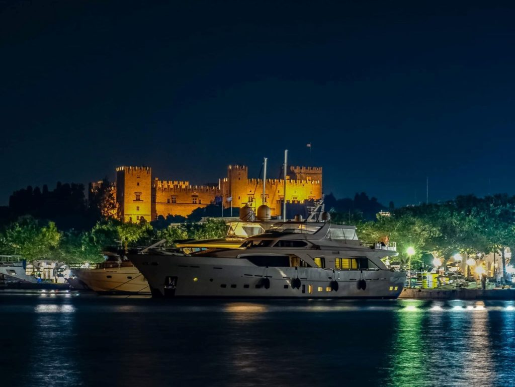 visite guidée de nuit à Rhodes